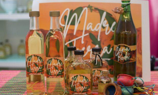 Madre Tierra: emprendedores locales se unieron y crearon una marca de caña con ruda